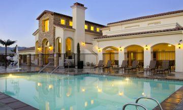 Toscana Apartments Pool House